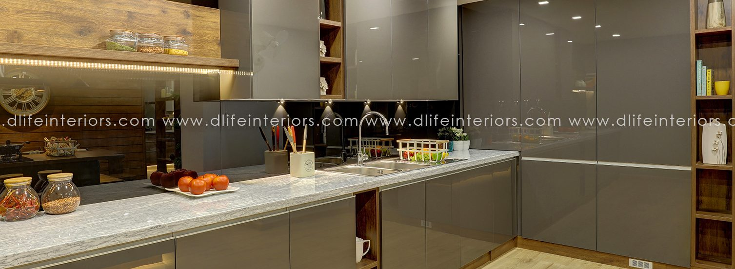 Kitchen in lacquer glass